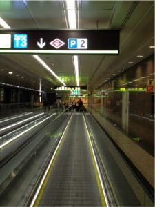 airport_madrid_moving_lane